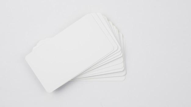 Modello di biglietto da visita in bianco