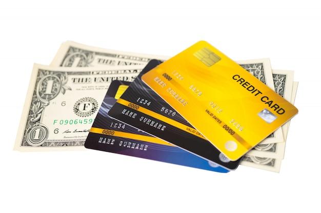 Modello di carta di credito e banconote in dollari usa.