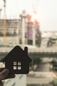 Modello di casa in agente di brokeraggio assicurativo domestico