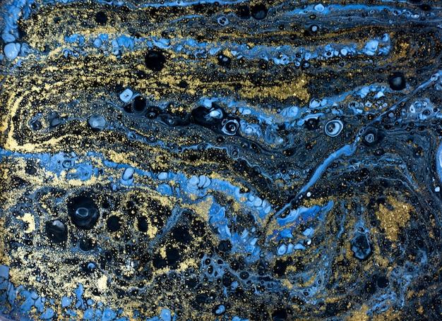 Modello di marmorizzazione blu. trama liquida marmo dorato.