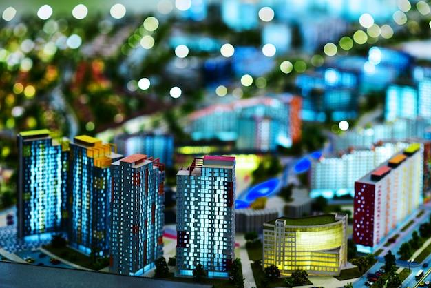 Modello in miniatura di una moderna città verde