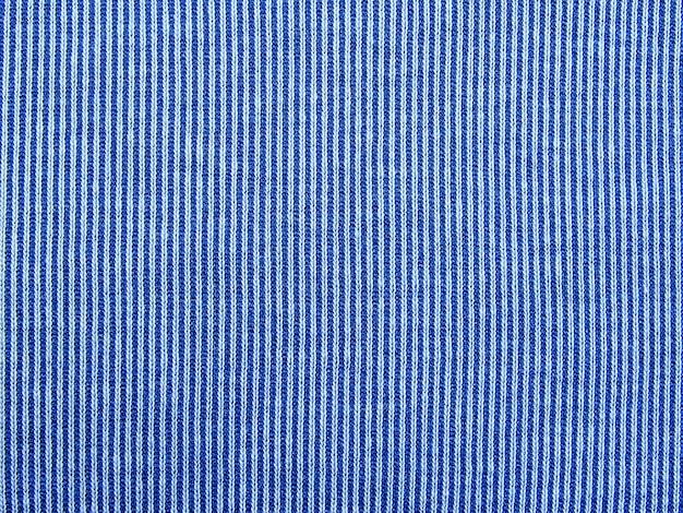 Modello in tessuto blu