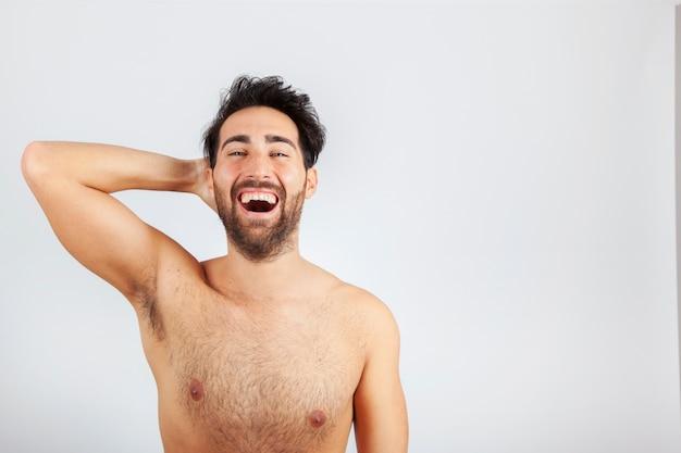 Modello maschio ridere