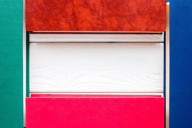 Modello per il testo dei libri a copertina rigida chiusi