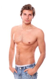 Modello uomo senza camicia