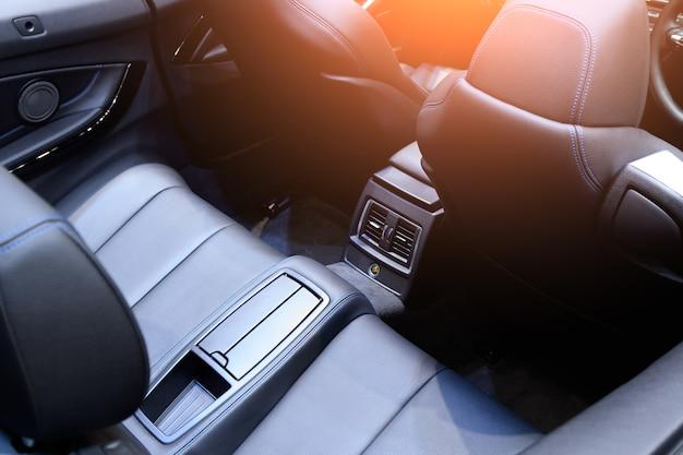 Moderne seggiolini auto di lusso