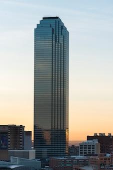 Moderno grattacielo in città, dallas, texas, stati uniti d'america