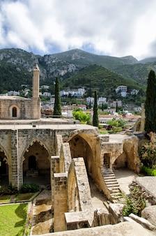 Monastero dell'abbazia di bellapais nella cipro del nord