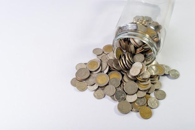 Monete in un barattolo