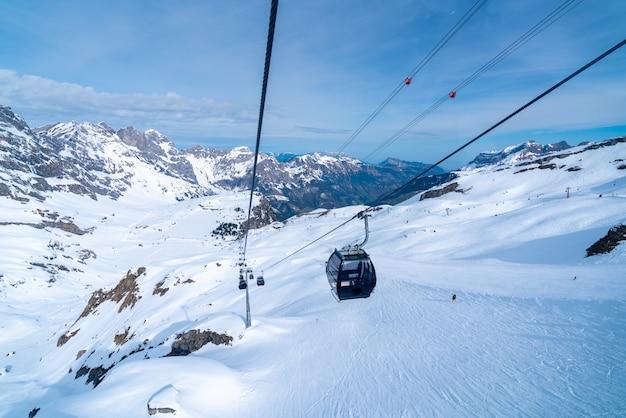Montagna titlis in estate, svizzera