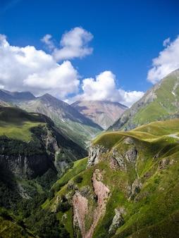 Montagne del caucaso in georgia