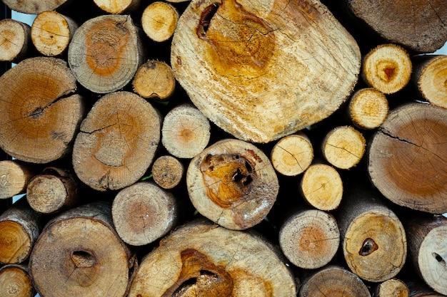 Morbido legno naturale non verniciato tondo ecologico morbido colorato marrone e giallo ceppi di sfondo