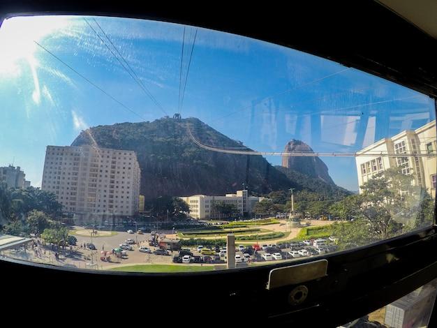 Morro da urca visto attraverso la finestra di bondinho, in brasile