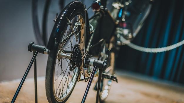Mostra bicicletta nera