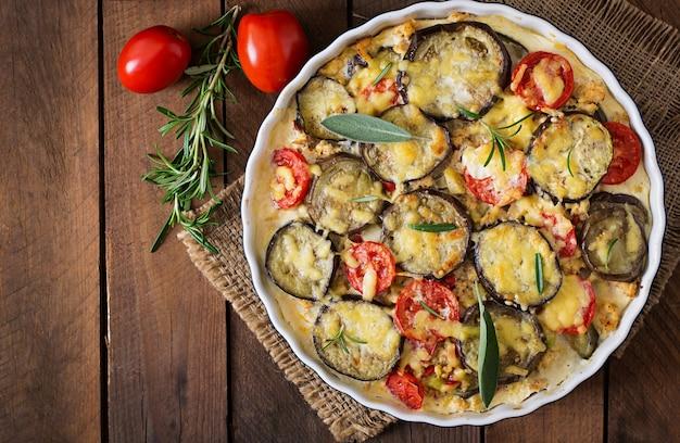 Moussaka (casseruola di melanzane) - un piatto tradizionale greco