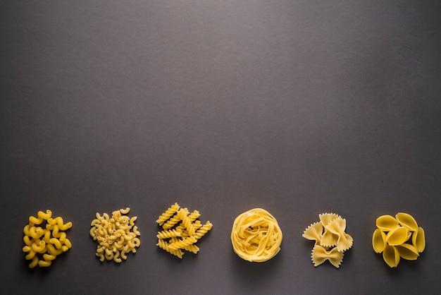 Mucchi di pasta