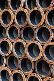 Mucchi di tubi d'acciaio