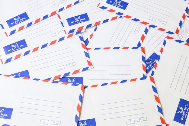 Mucchio di busta della posta aerea
