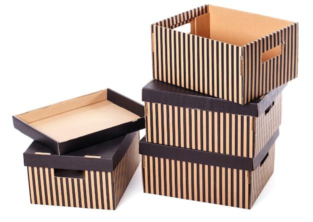 Mucchio di scatole a strisce