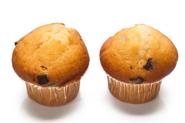 Muffin al cioccolato isolato