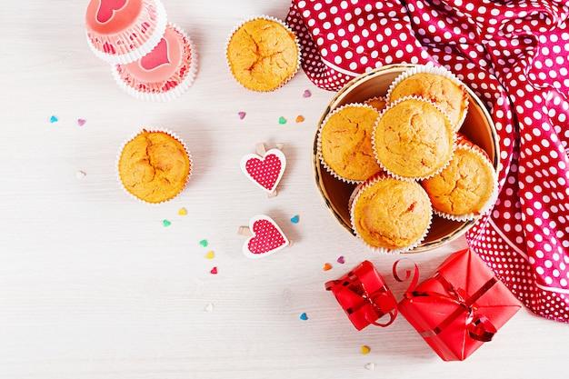 Muffin con tessuto piatto disteso