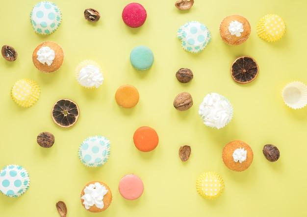 Muffin e macarons