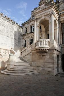 Municipio di la rochelle nel centro della città