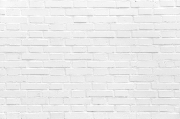 Muro di mattoni dipinti di bianco