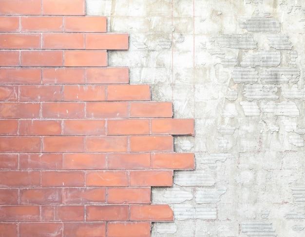 Muro di mattoni e struttura concreta