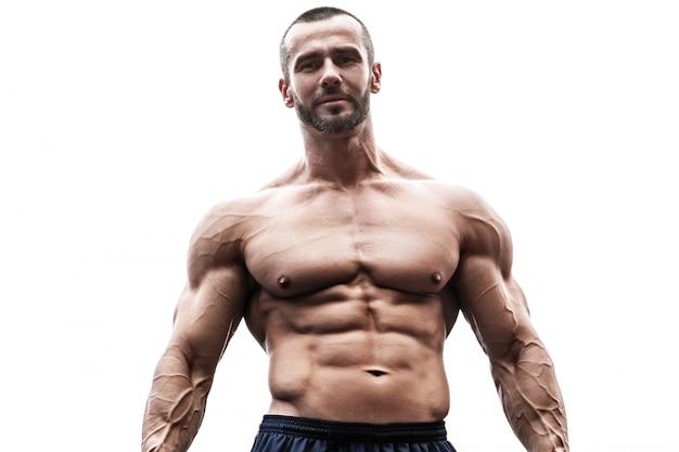 Muscoloso su sfondo bianco