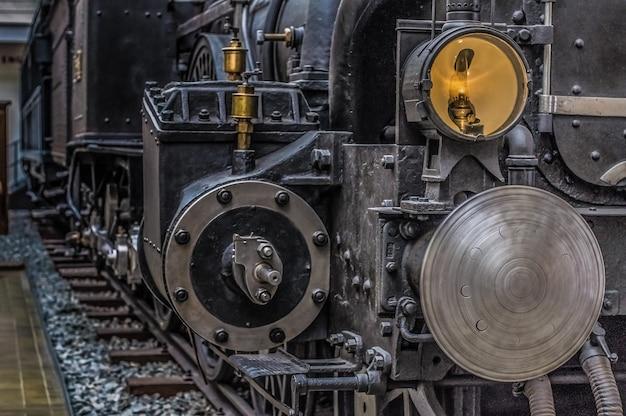 Museo tecnico di praga, repubblica ceca, locomotiva retrò.