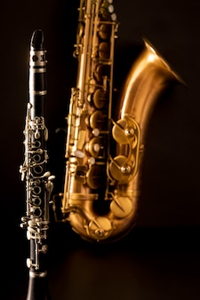 Musica classica sax sax tenore e clarinetto in nero