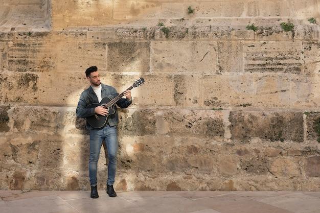 Musica per chitarra all'aperto