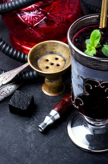 Narghilè con cocktail alcolico