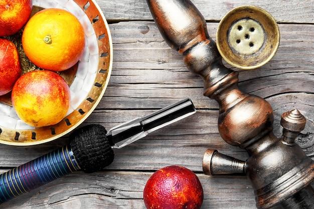 Narghilé orientale con sapore d'arancia