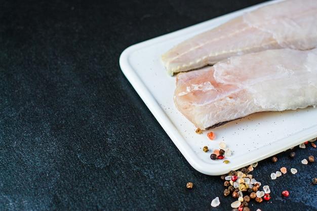 Nasello di filetto di ghiaccio congelato pesce crudo