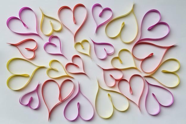 Nastri a forma di cuori san valentino.