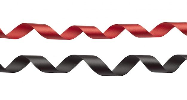 Nastro rosso e nero su sfondo bianco