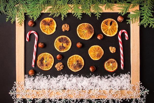 Natale con decorazioni natalizie