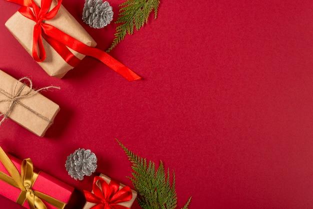 Natale creativo sfondo rosso