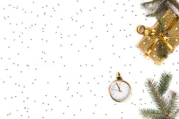 Natale e felice anno nuovo composizione brillante
