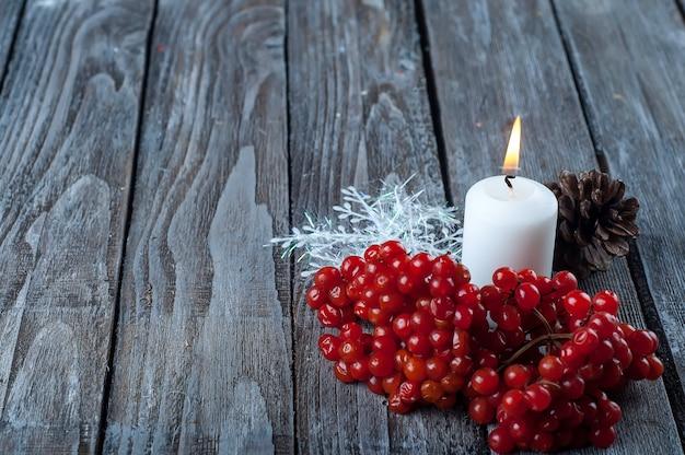 Natale-viburno e candela