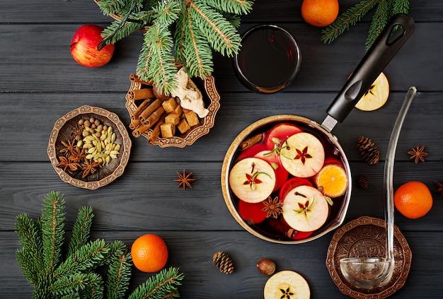 Natale vin brulè e spezie.