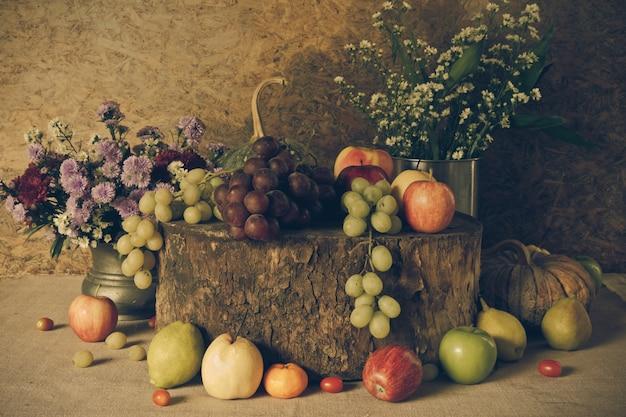 Natura morta con frutta.