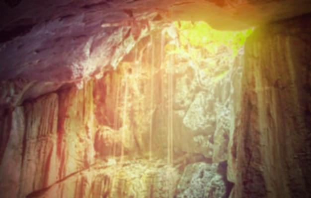 Natura sfondi sfocati - all'interno di un complesso di grotte di krabi, thailan