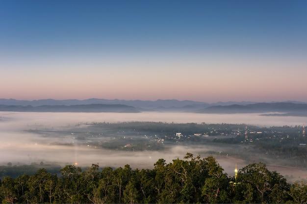 Nebbia sulla città