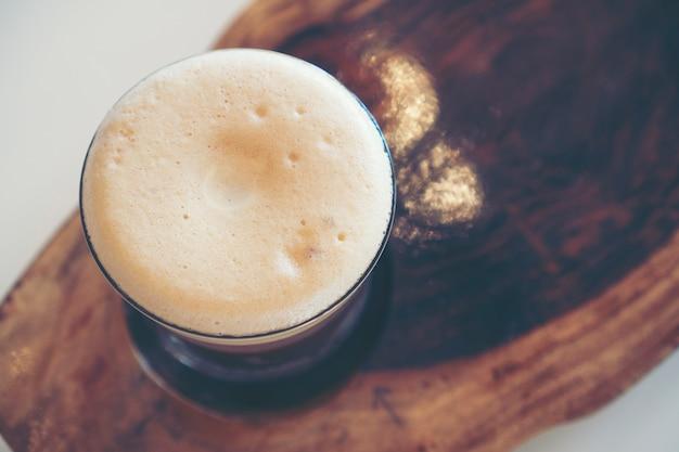 Nitro freddo brew caffè nella caffetteria