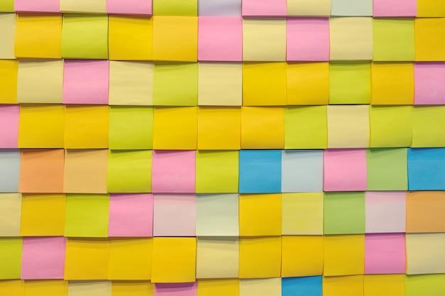 Nota a colori di carta