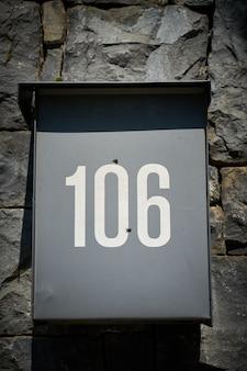 Numero 106