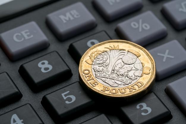 Nuova moneta da una sterlina britannica